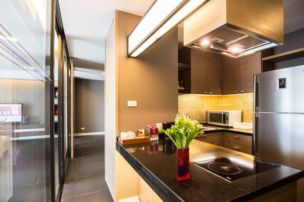 806_kitchen1