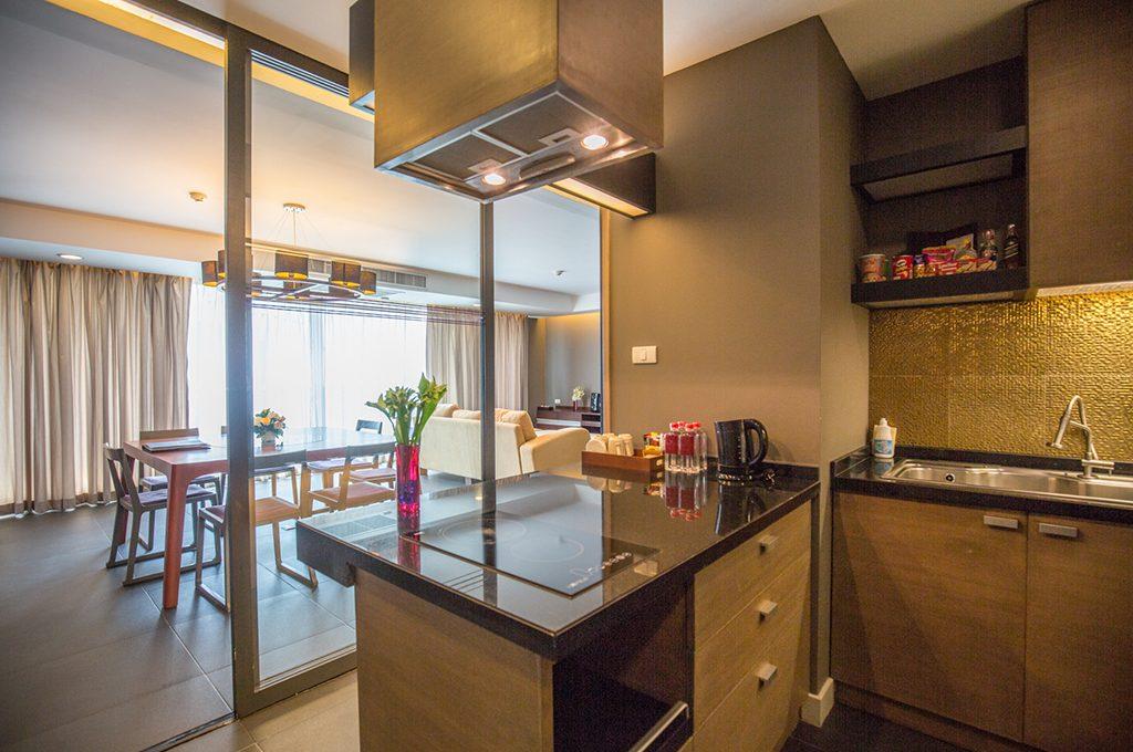 806_kitchen2